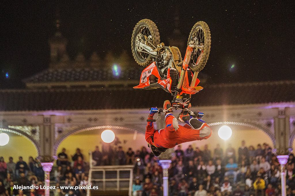 Red Bull X-Fighters 13